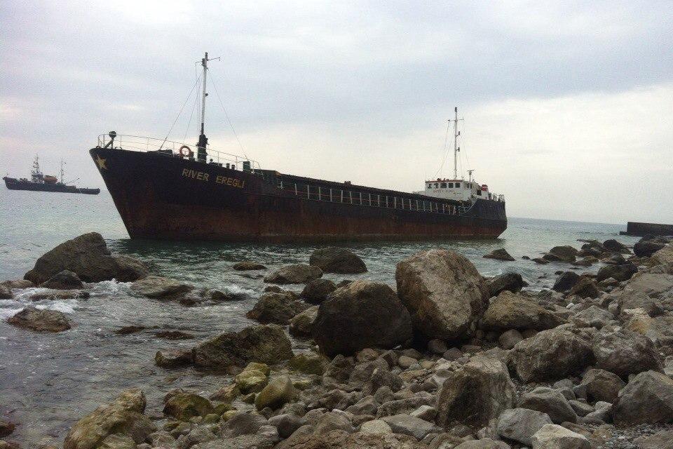 Уберегов Ялты «село намель» судно контрабандистов