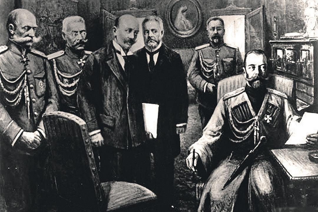 Николай Второй (сидит) подписывает отречение в присутствии (слева направо) министра двора Фредерикса, генерала Рузского, депутатов Шульгина и Гучкова. Фото: www.wikimedia.org