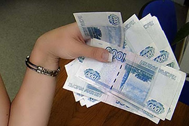 Волгоградка пообещала знакомому «отмазать» его брата отколонии засемь млн. руб.