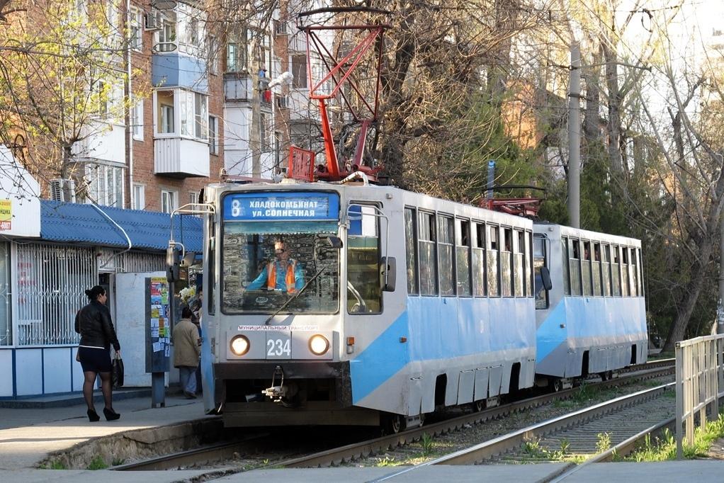 Втрамваях Краснодара доконца года введут безналичную оплату проезда