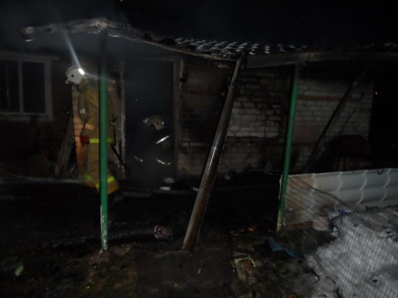 Впожаре вСуворовском районе женщина получила ожоги лица