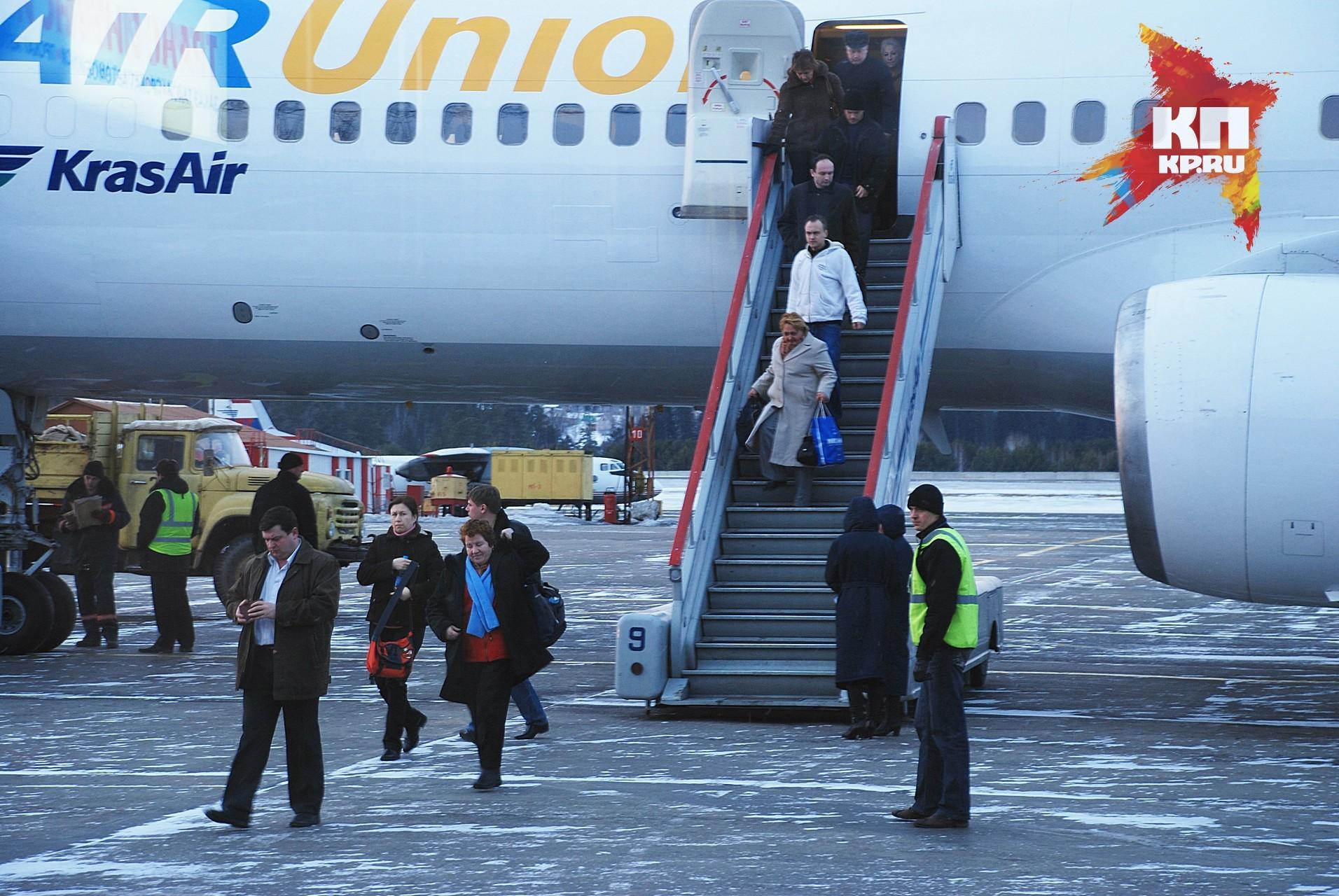 Авиакомпания Azur air взыскала сбуйной пассажирки 400 тыс. руб.