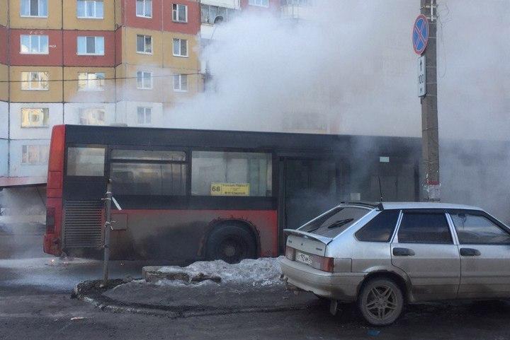 ВПерми вмикрорайоне Садовый зажегся автобус