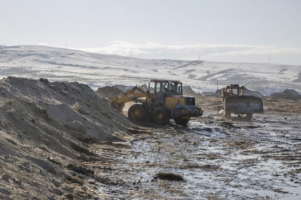 Вода начала отступать отзатопленных домов впоселке вТуве