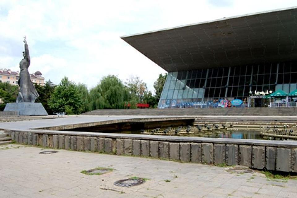 Администрация Краснодара расторгнет договор сподрядчиком пореконструкции «Авроры»