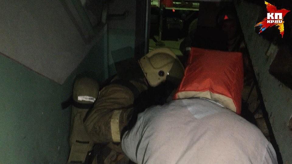 Из-за ночного пожара вцентре Саратова эвакуировали 50 человек