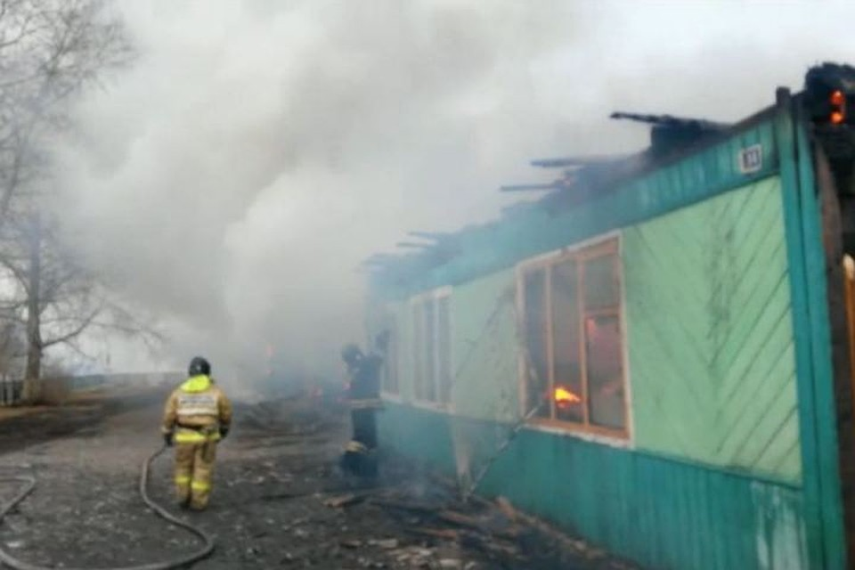 Строение деревенской школы сгорело утром 19апреля вАларском районе