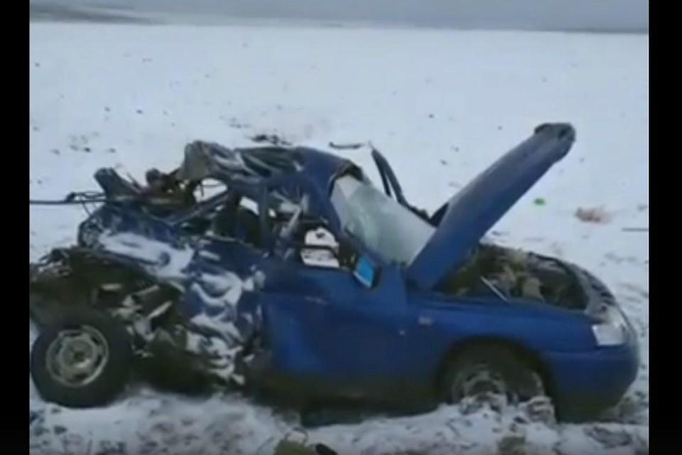 ВБашкирии встолкновении фургона и«легковушки» умер человек