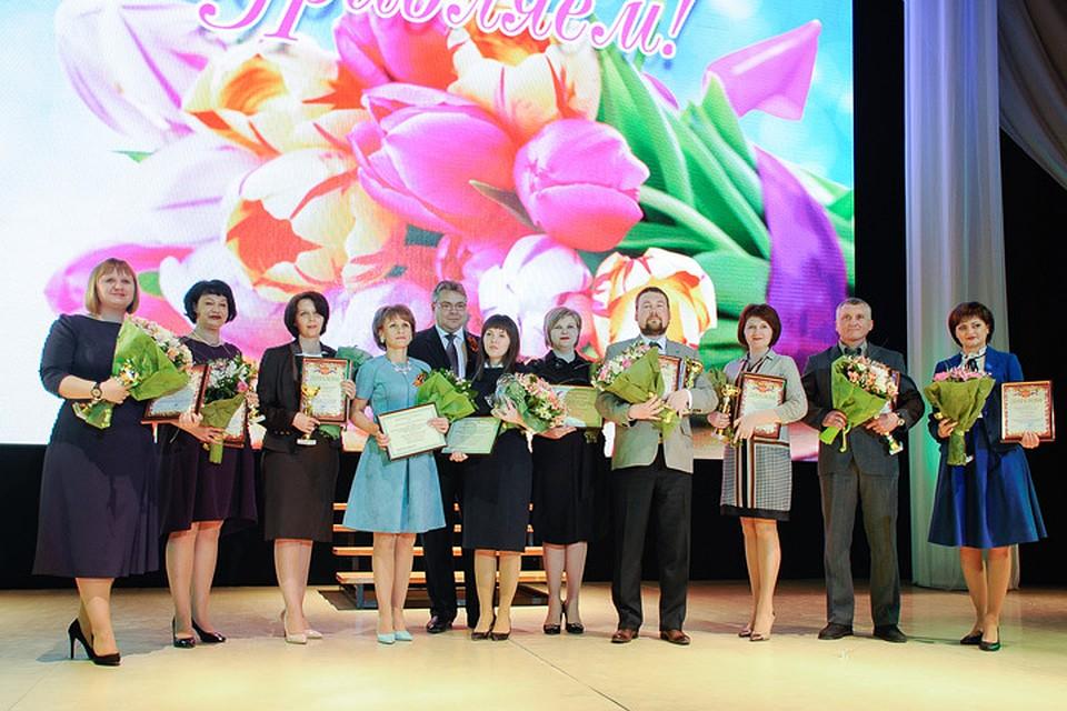 Губернатор Ставрополья вручил «Хрустального пеликана» лучшему учителю 2017 года