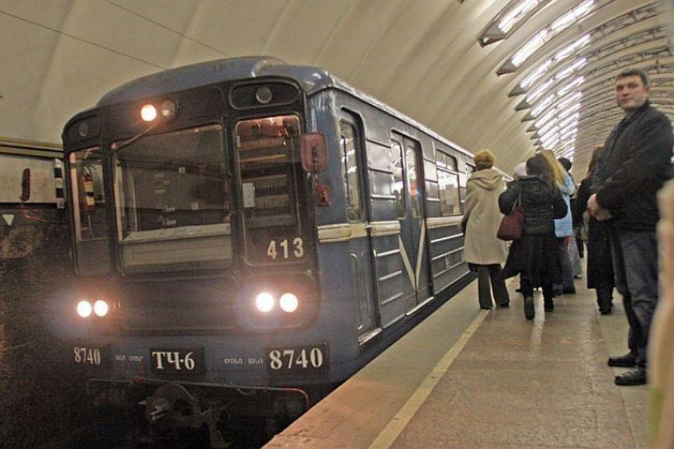 ВПетербурге с30апреля начнет курсировать ночной поезд метро