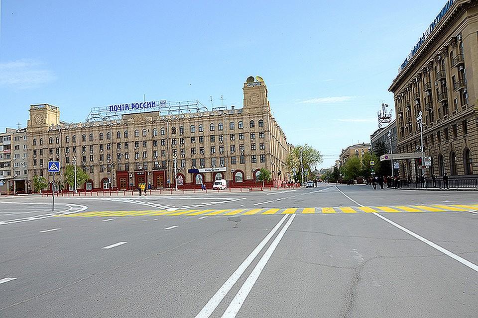 Дорожную разметку натрассах Волгограда обновляют ночами