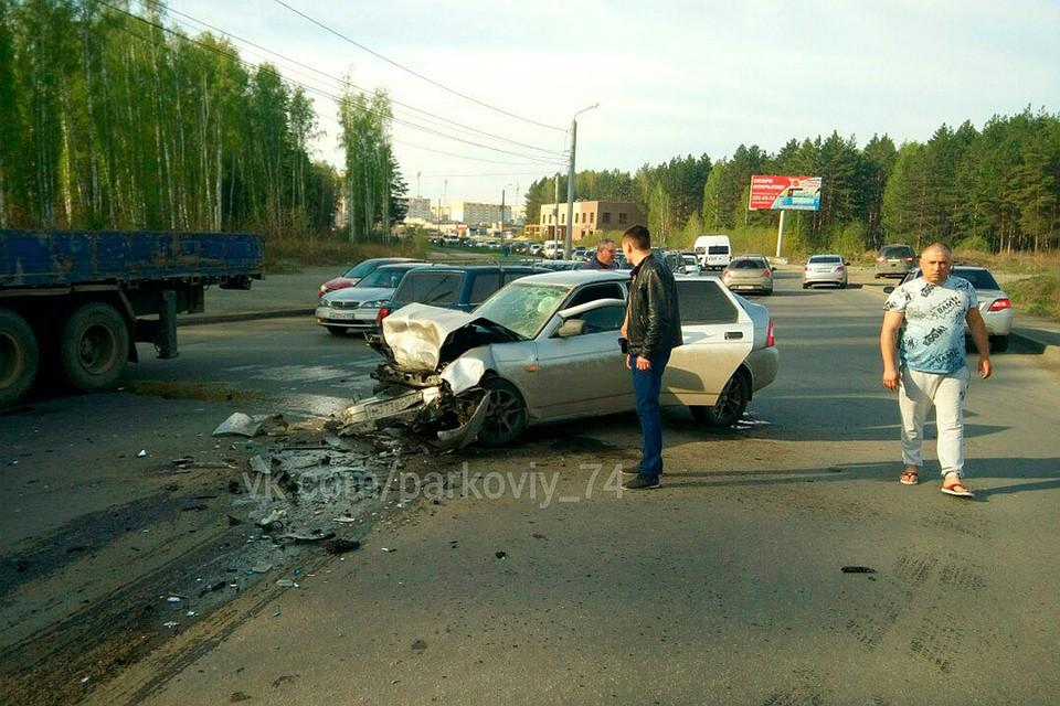 ВЧелябинске возникла пробка из-за нетрезвого водителя ФОТО