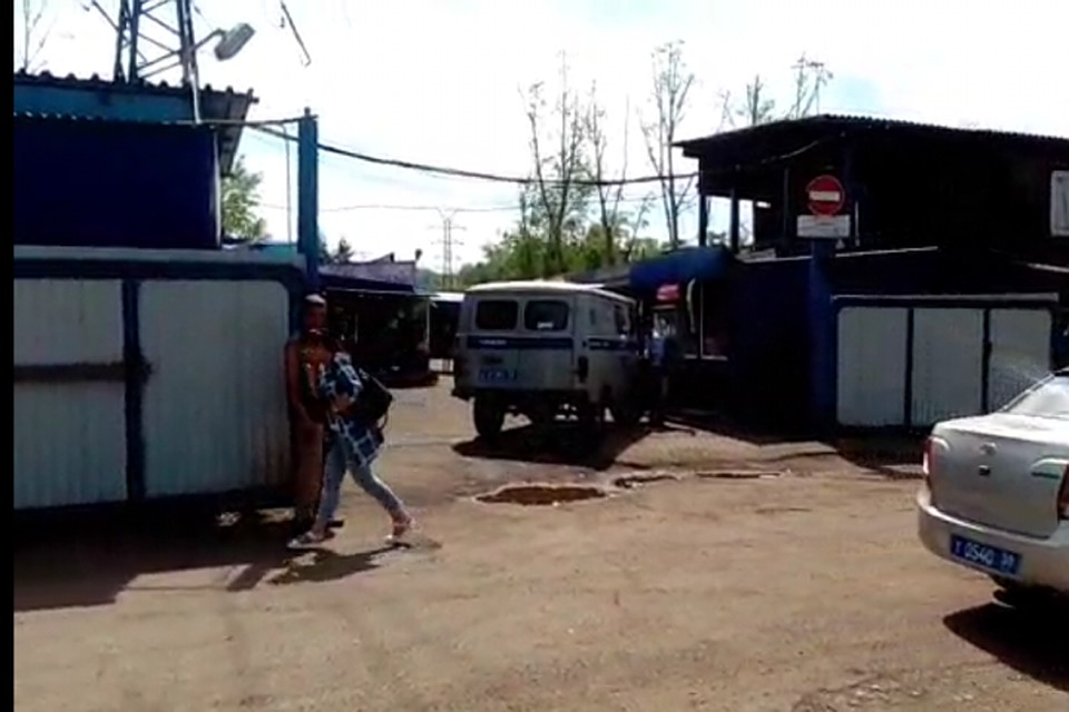 Гость стрелял вохранника рынка «Удобный» вНово-Ленино