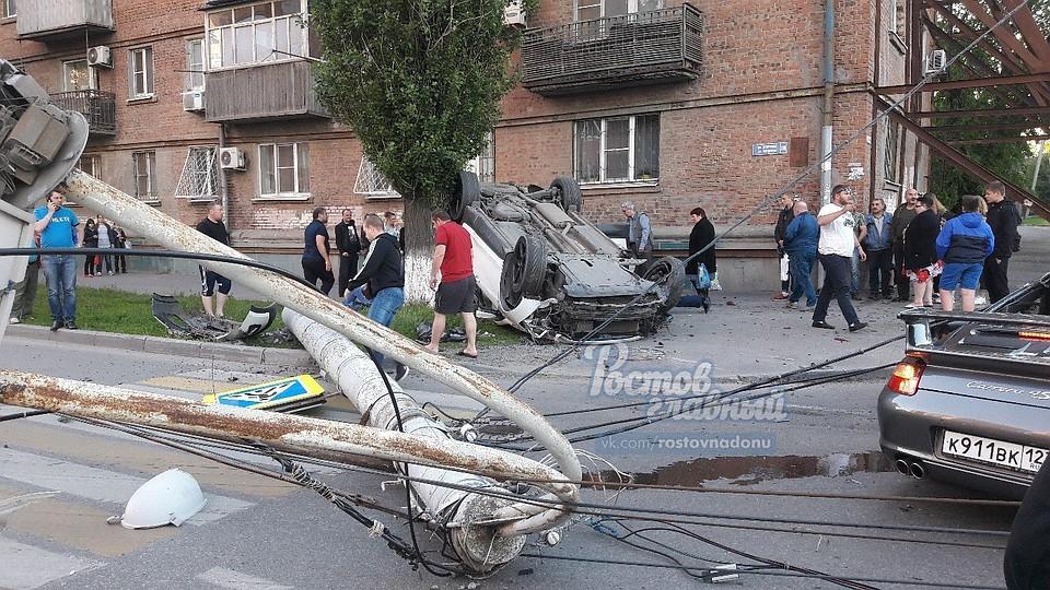 ВРостове-на-Дону вДТП сучастием Порш  Carrera пострадали 4  человека