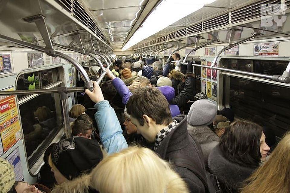 ВНочь музеев метро Петербурга перевезло неменее 70 000 человек