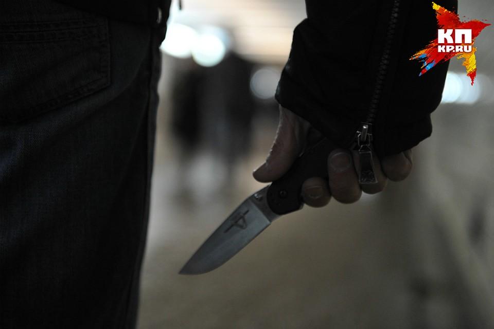 Убил конкурента ударами ножа вспину ревнивец вОмской области
