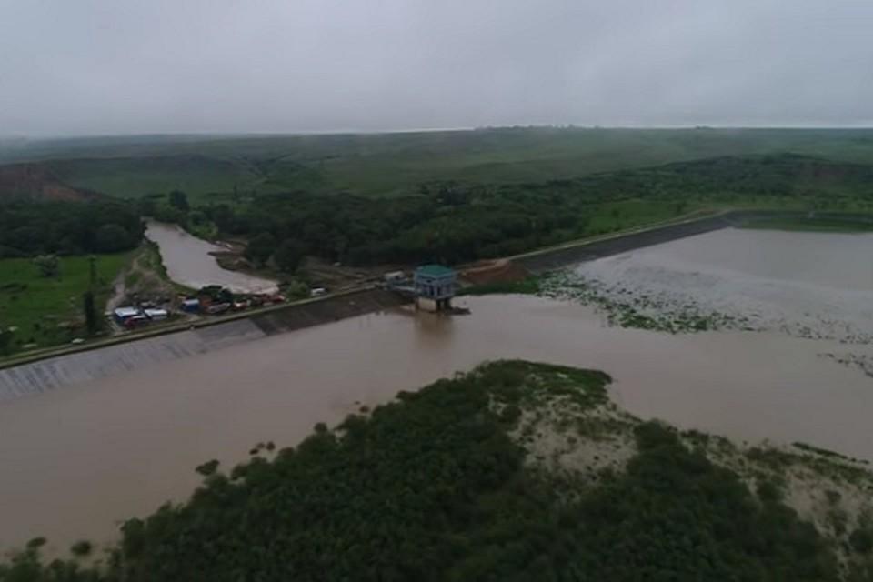 НаСтаврополье проводят экстренные работы поукреплению дамбы Отказненского водохранилища