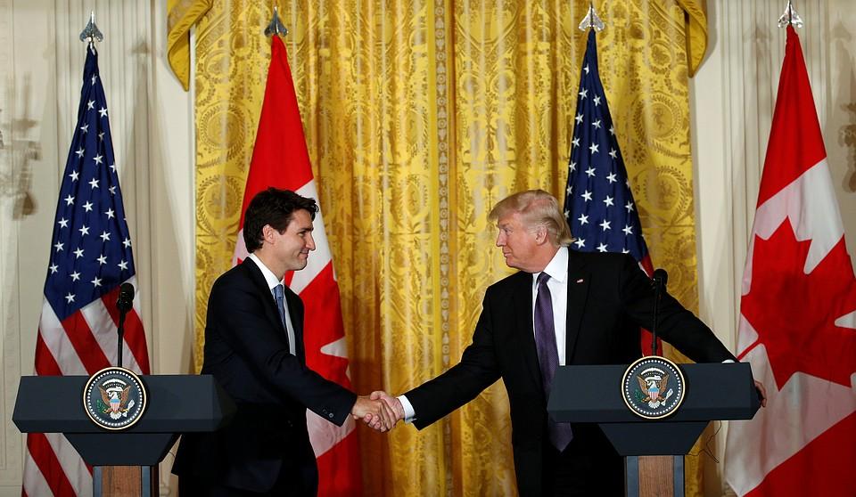«Великие люди»— Трамп похвалил премьера Абэ и«Джастина изКанады»