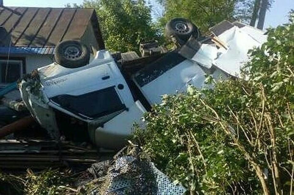 НаКубани шофёр умер, врезавшись вдом