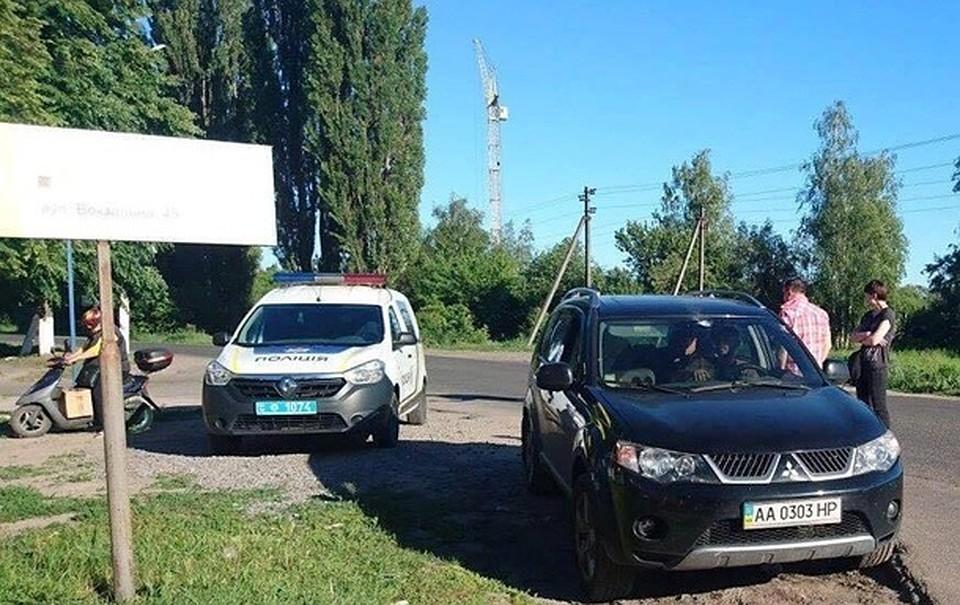 ВУкраинском государстве работник СБУ обстрелял кавээнщика из-за донецких госномеров