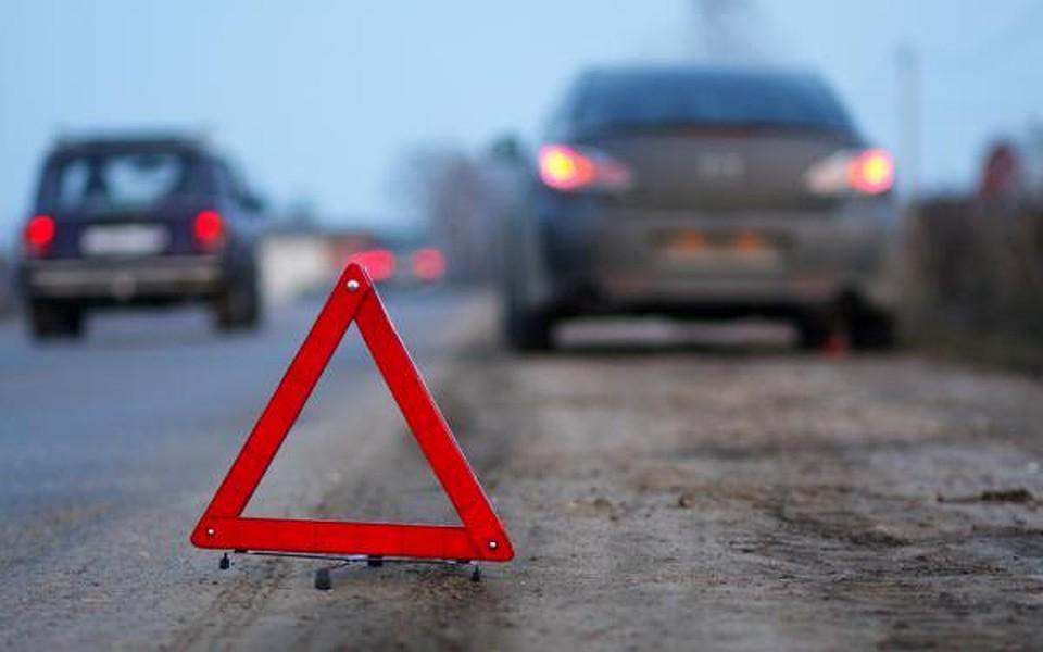 Натрассе Елабуга-Пермь вДТП смикроавтобусами сдетьми погибли двое
