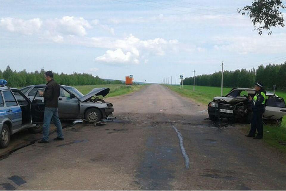ВБашкирии столкнулись две «легковушки»— Водители доставлены вбольницу