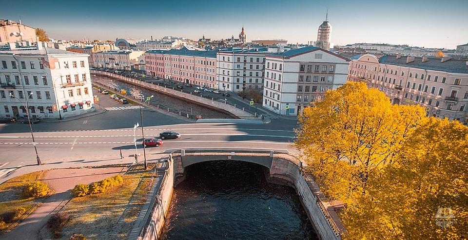 ВПетербурге ограничат движение судов