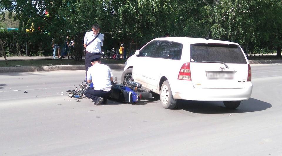 ВБашкирии мотоциклист умер в трагедии савтомобилем