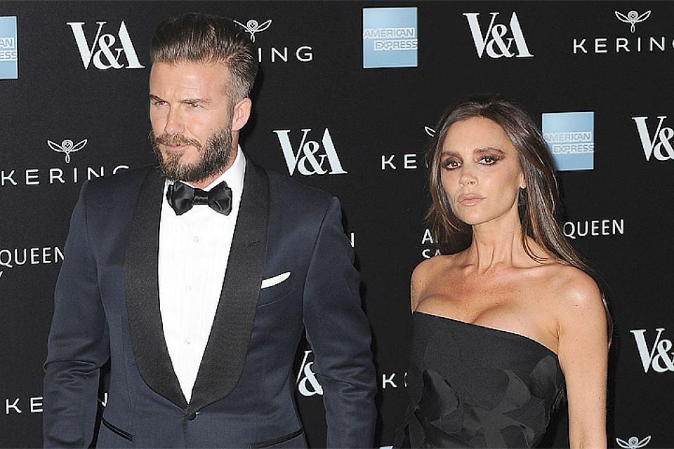 Дэвид Бекхэм пришел навечеринку с супругой илюбовницей— Скандал вГолливуде