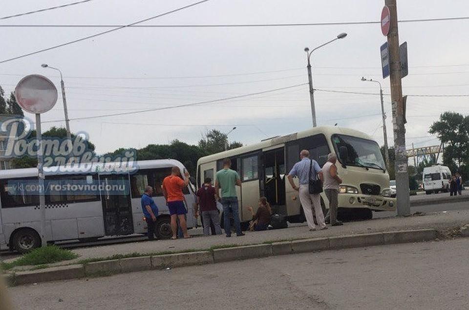 ВРостове наГПЗ-10 столкнулись две маршрутки, пострадал пассажир