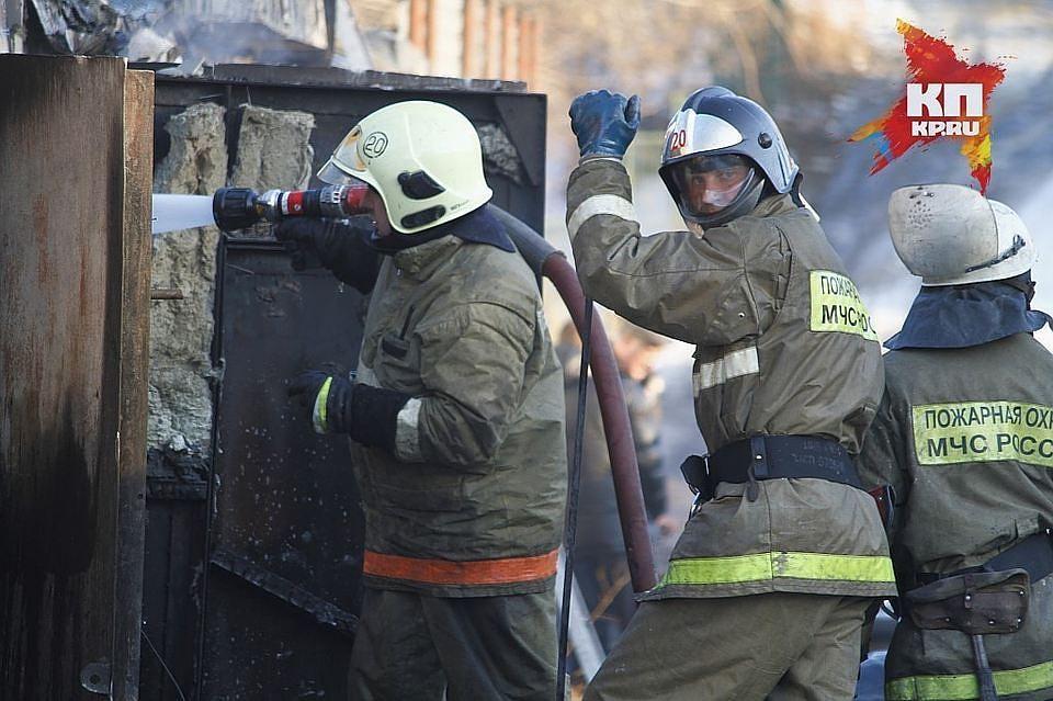 Пожар наулице Бабушкина тушили 4 экипажа МЧС