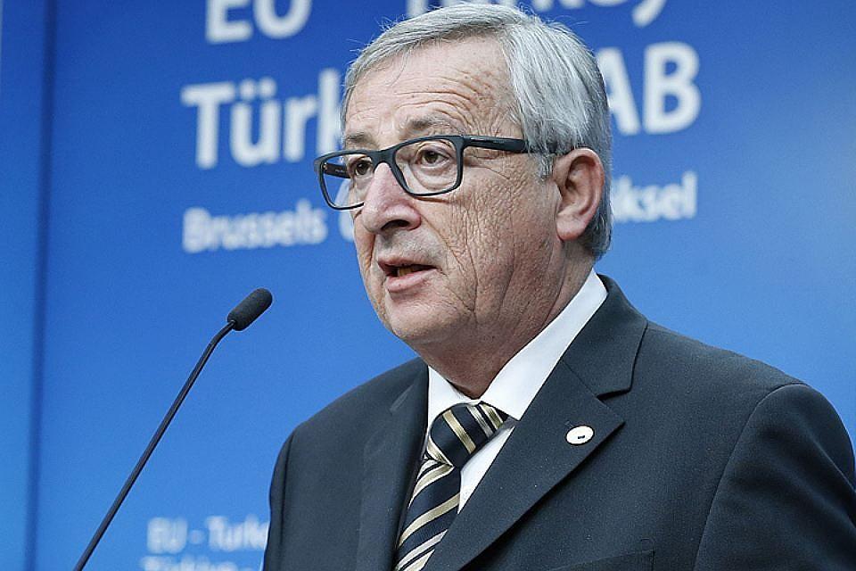ЕСможет использовать  меры вответ насанкции США против Российской Федерации  — Юнкер