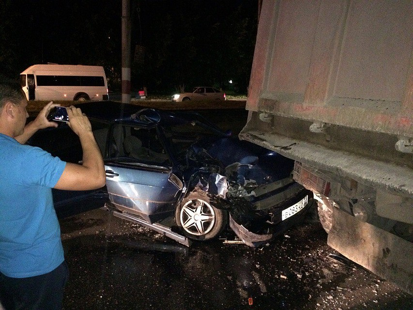 ВАЗ-2114 столкнулся с грузовым автомобилем  вУльяновске