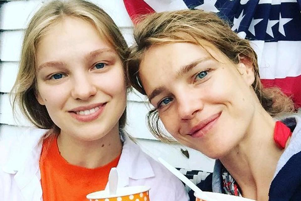 Наталья Водянова показала младшую сестру-красавицу