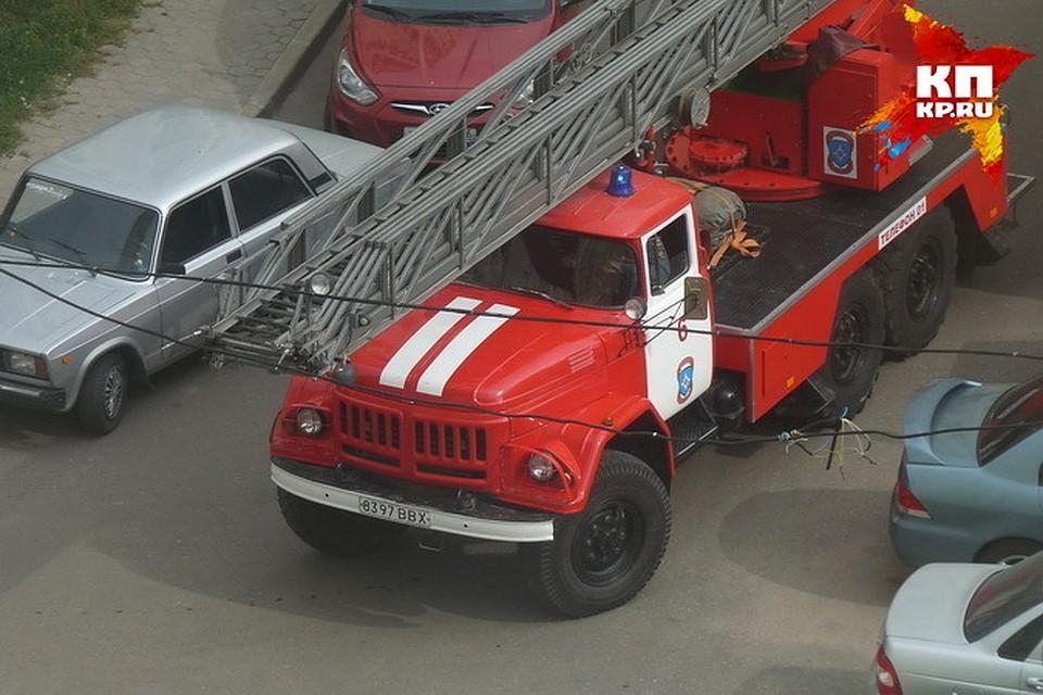 Воронежец наруках вынес годовалого ребенка изгорящей квартиры
