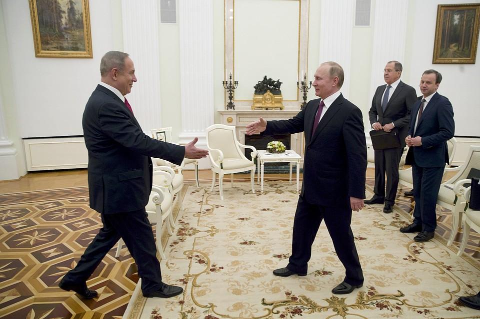 Нетаньяху прояснил Путину позицию Израиля поСобибору