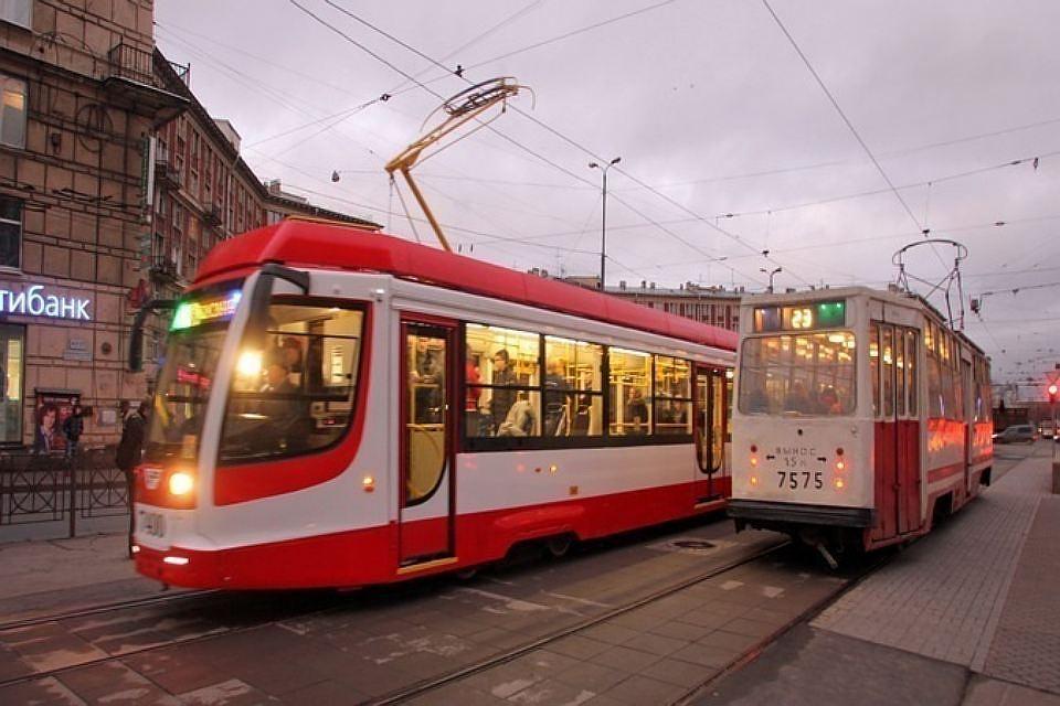 Три низкопольных трамвая сWi-Fi поставит вПетербург столичная компания