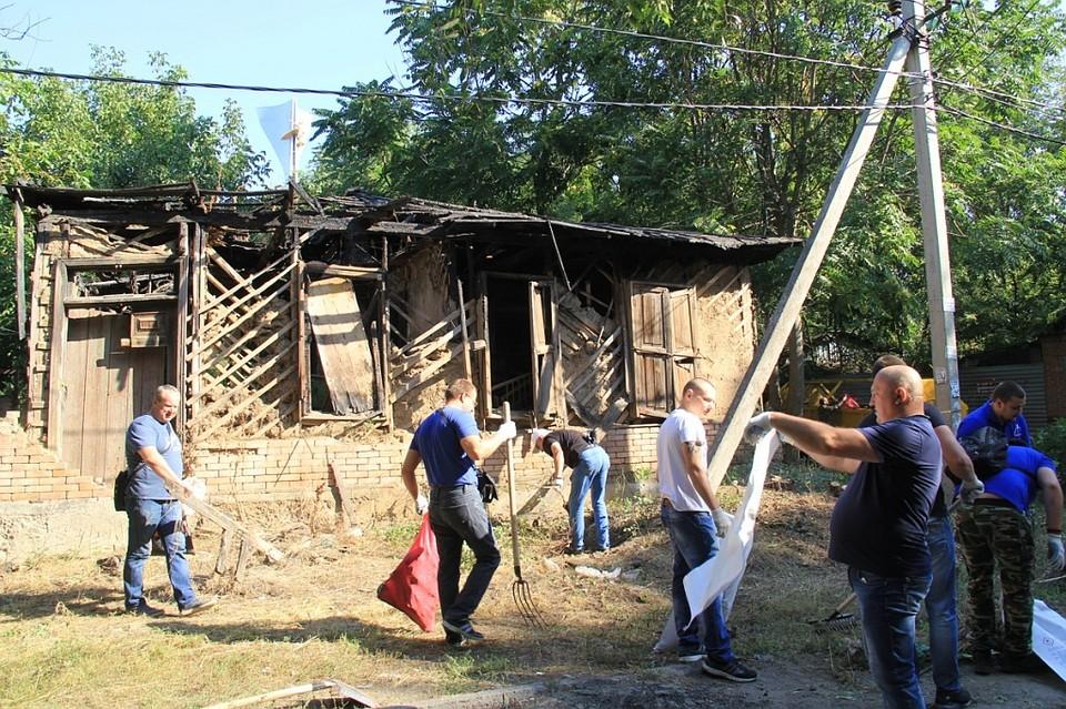 ВРостове-на-Дону наместе масштабного пожара состоялся общенародный субботник