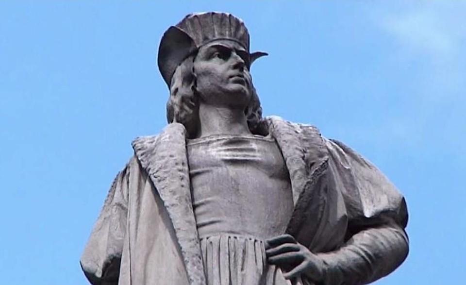 ВСША неизвестные обезглавили памятник Колумбу