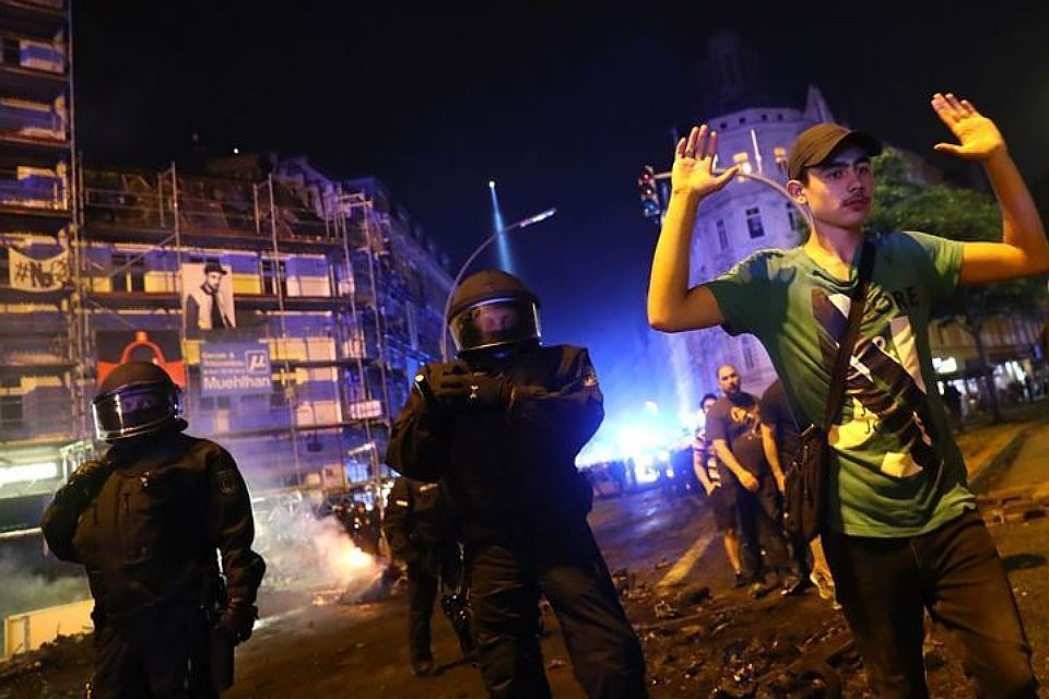 Арестованным вовремя беспорядков вГамбурге россиянам предъявили обвинения