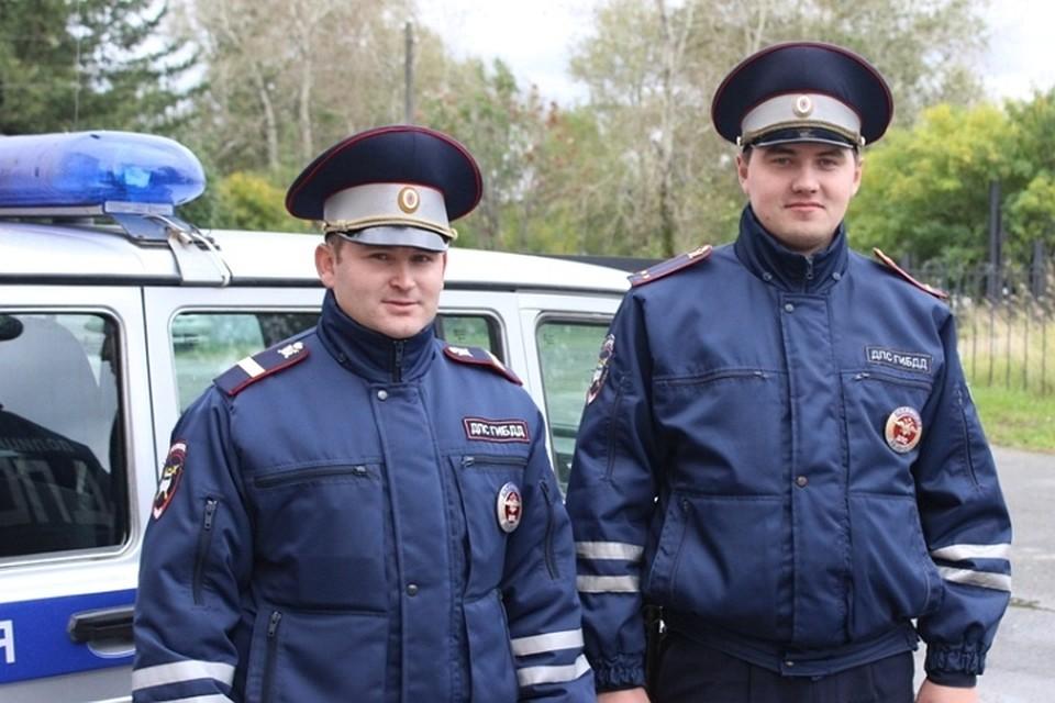ВСоликамске инспекторы ДПС потушили пожар