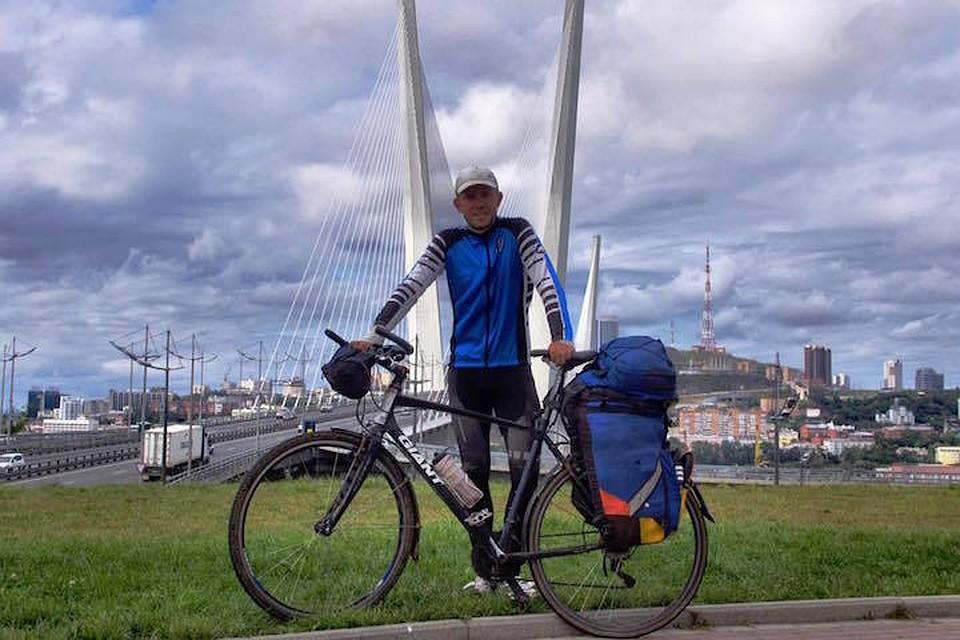 Калининградский велосипедист, проехавший всю Российскую Федерацию, попал вДТП вБурятии