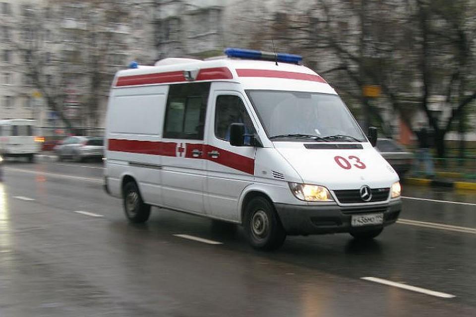 ВПетербурге годовалая девочка получила тяжелые травмы, выпав изходунков