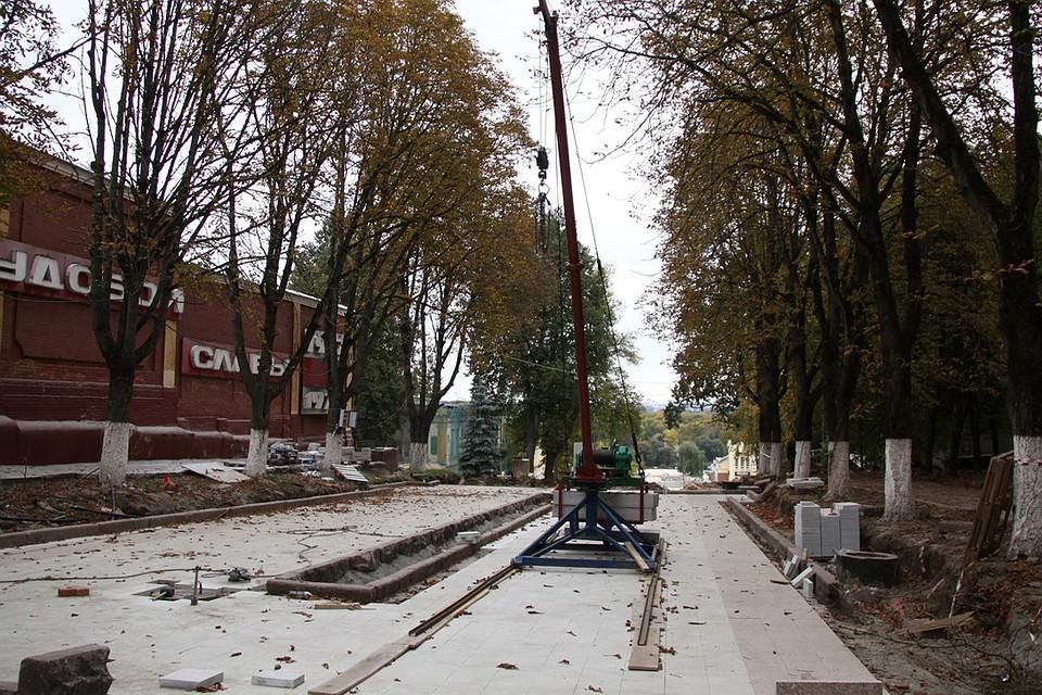 ВБрянске ремонт лестницы кНабережной обещают закончить зимой