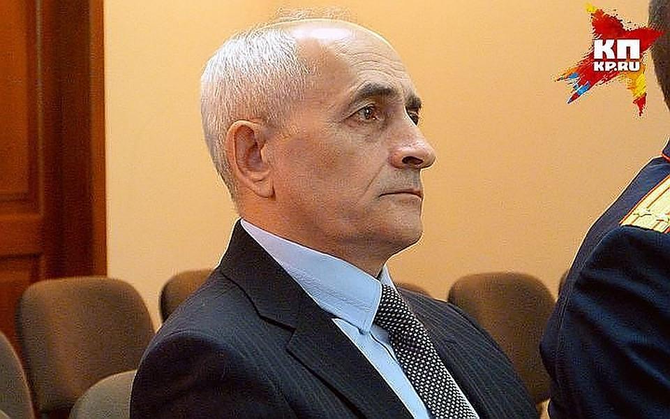 Мертвому экс-судье Москаленко предъявили обвинение вполучении взятки
