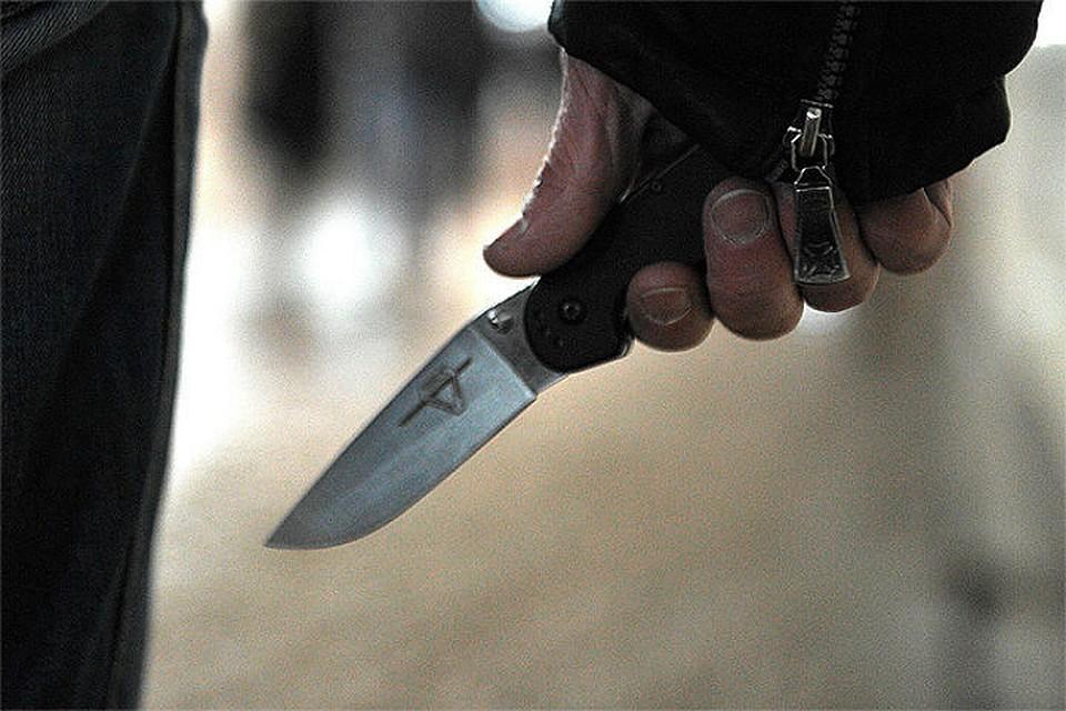 НаГражданском проспекте пешеход получил удар ножом зазамечание шоферу