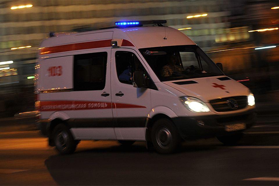 Молодая девушка выпала изквартиры наЛиговском