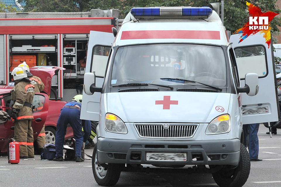Вбрянском посёлке под рухнувшей бетонной плитой умер мужчина
