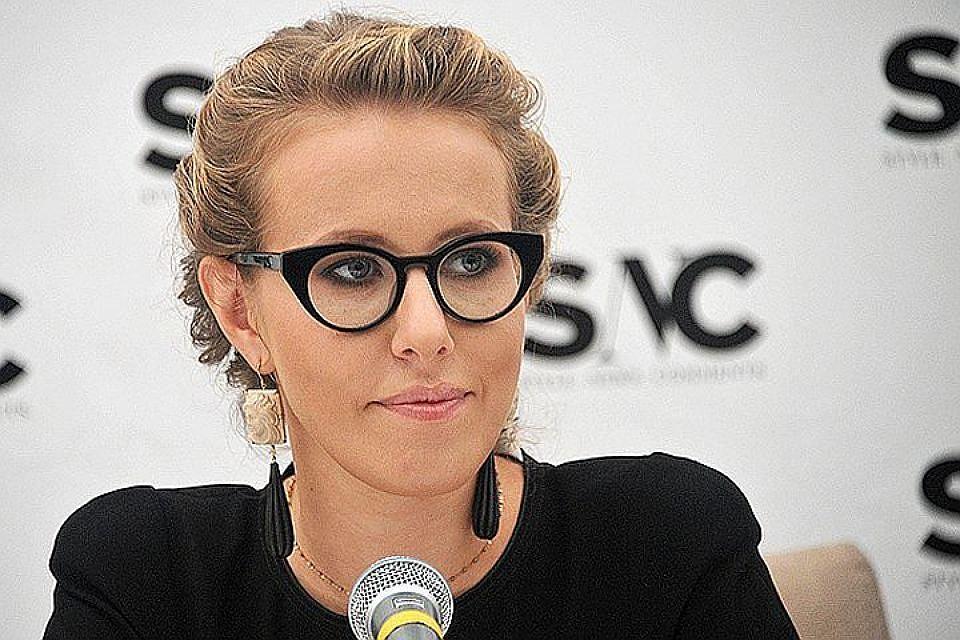 Собчак предложила Навальному выдвинуть впрезиденты его супругу