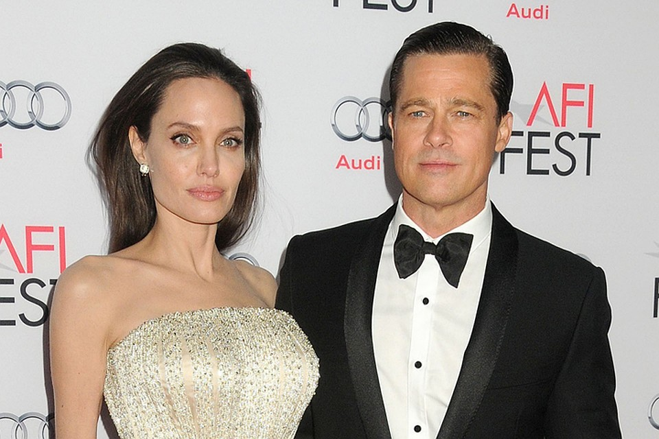 Анджелина Джоли показала безупречные ноги вкоротком одеяние